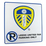 leeds-united-skylt-no-parking-1