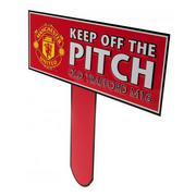 manchester-united-skylt-keep-off-the-pitch-1
