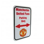 manchester-united-skylt-fans-parking-only-1